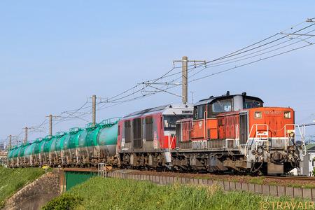 DD51-825+DF200重連