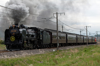 DD51-498」「SLレトロ碓氷」