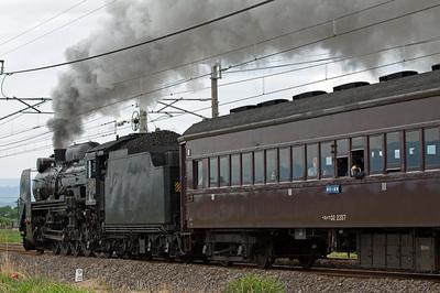 D51-498とスハフ32