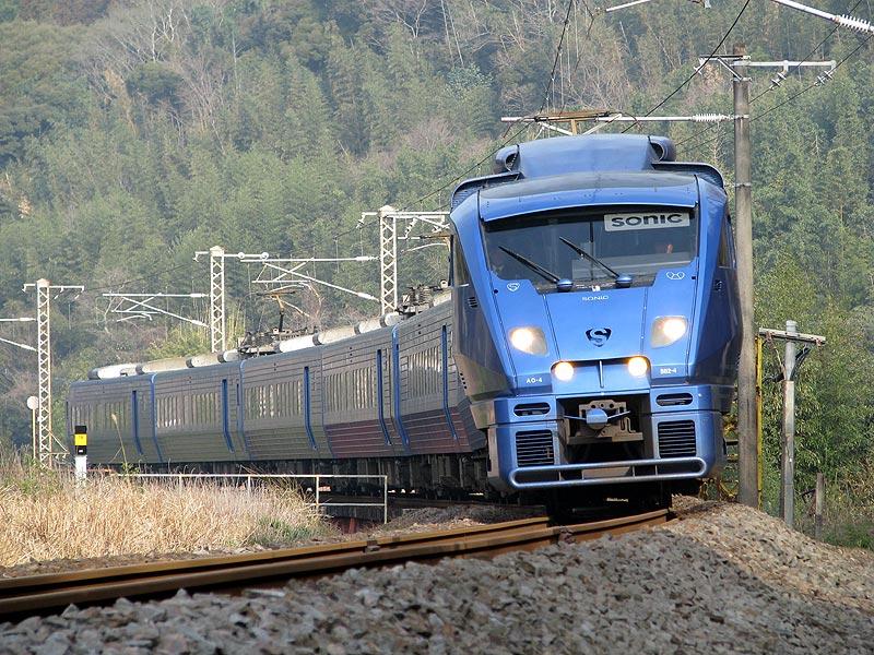 ソニック 「富士」が来るまでソニックや普通列車を撮影して本番?構図を考えてたりし...